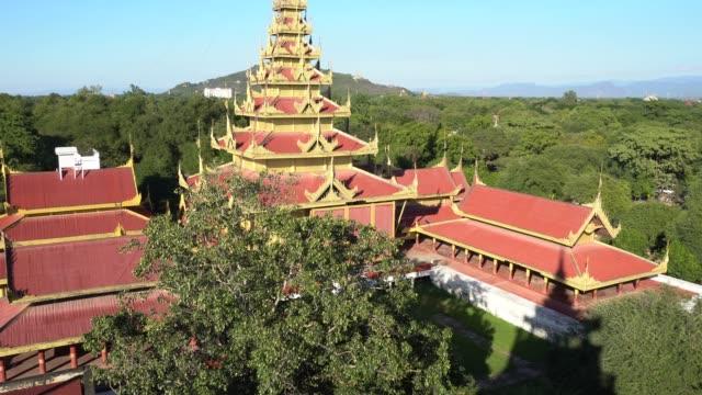 Draufsicht auf den Königspalast Mandalay in Myanmar