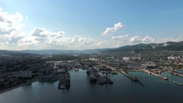 vídeos y material grabado en eventos de stock de superior vista del muelle y marina de novorossiysk - sochi