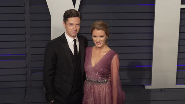 topher grace and ashley hinshaw at 2019 vanity fair oscar party hosted by radhika jones at wallis annenberg center for the performing arts on... - topher grace stock videos & royalty-free footage