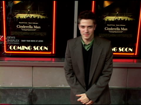 topher grace at the 'cinderella man' new york premiere arrivals at the loews lincoln square theater in new york, new york on june 1, 2005. - topher grace stock videos & royalty-free footage