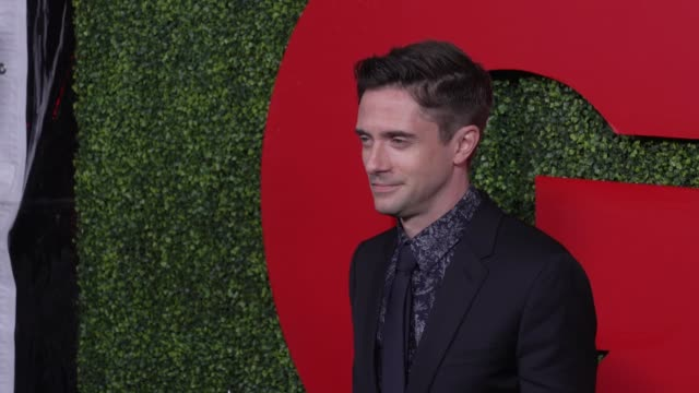 topher grace at the gq 2018 men of the year celebration at benedict estate on december 06, 2018 in beverly hills, california. - topher grace stock videos & royalty-free footage