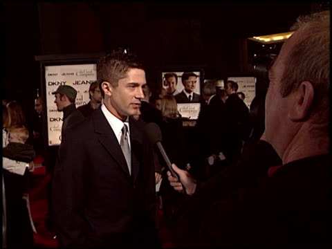 topher grace at the 'in good company' premiere at grauman's chinese theatre in hollywood, california on december 6, 2004. - topher grace stock videos & royalty-free footage