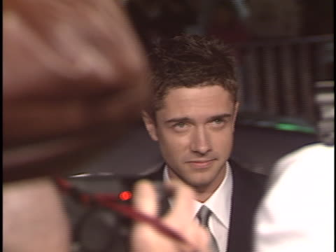 topher grace at the in good company premiere at manns chinese theater hollywood in hollywood ca - topher grace stock videos and b-roll footage