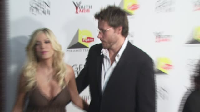 tori spelling and dean mcdermott at the 'lipton pyramid teas launch' new york city october 5 2006 at xchange in new york new york on october 4 2006 - tori spelling stock videos and b-roll footage