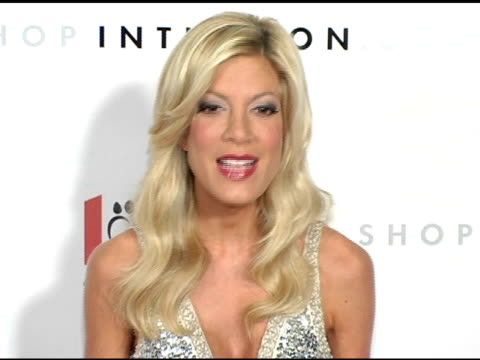 tori spelling at the 1st annual us weekly hollywood holiday shopping party at smashbox studios in culver city, california on november 11, 2004. - tori spelling stock videos & royalty-free footage