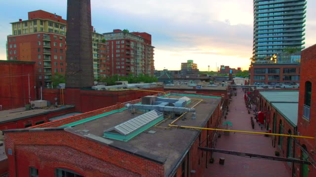 stockvideo's en b-roll-footage met toronto canada: distillery district, heritage historic place - baksteen