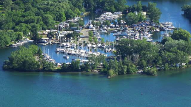 toronto canada: marina in the centre island, zoom image - lake ontario bildbanksvideor och videomaterial från bakom kulisserna