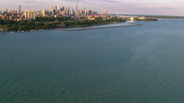 toronto ontario city skyline shot on a cineflex - toronto stock videos & royalty-free footage