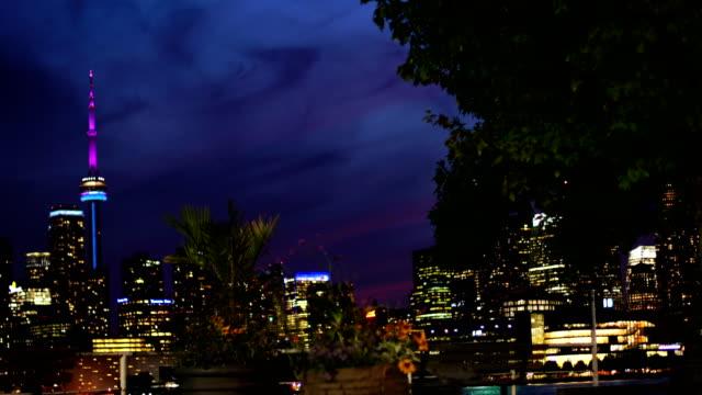 toronto skyline at dusk - cn tower stock videos & royalty-free footage