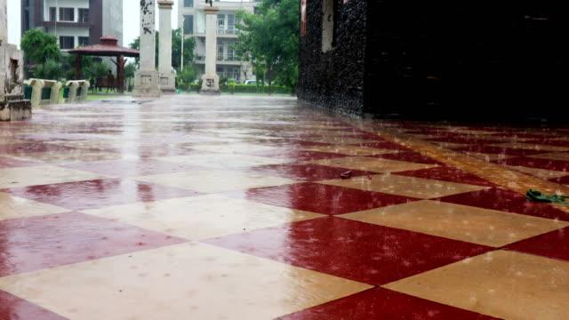 torrential rain in modern city - meteorology stock videos & royalty-free footage