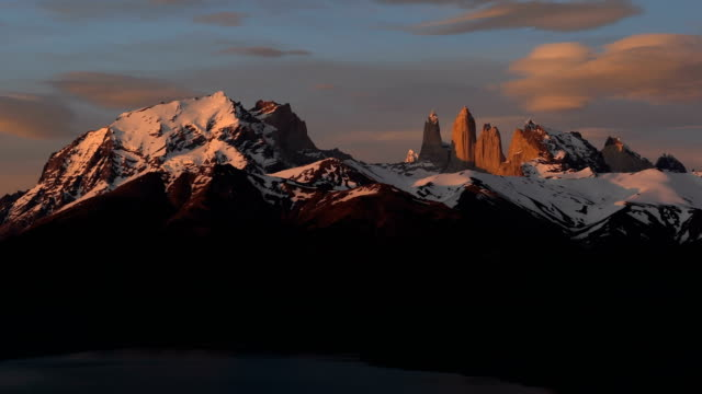 vidéos et rushes de torres del paine national park, chili patagonie - azul