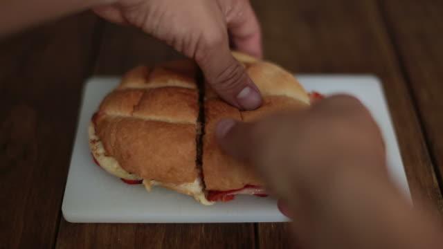 vídeos de stock e filmes b-roll de torta - mexican food - perspetiva pessoal
