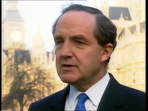 vídeos de stock e filmes b-roll de tory leadership campaign: final day:; england: london:westminster: ext cms george younger mp intvw sof - partido conservador britânico