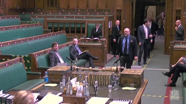 tory mp stephen crabb triggered howls of laughter in the house of commons when voting at the incorrect dispatch box twice. it was the first time the... - britisches unterhaus stock-videos und b-roll-filmmaterial