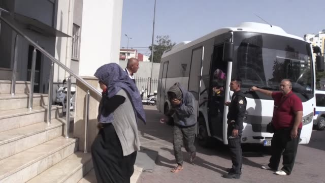 total of 152 irregular migrants of afghan, bangladeshi and pakistani origin, were held in central kayseri province of turkey on october 18, 2018. - indischer subkontinent abstammung stock-videos und b-roll-filmmaterial