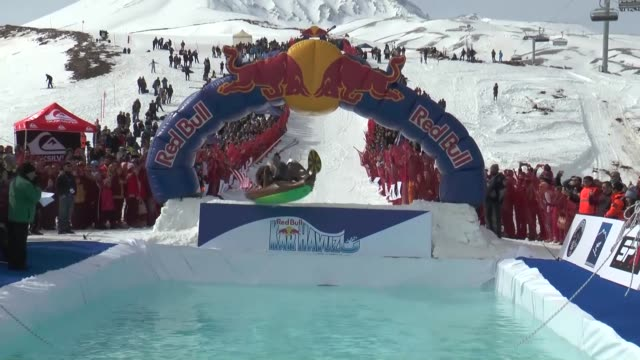total of 48 participants with creative costumes compete in the red bull jump and freeze event at erciyes ski resort in the central province of... - spielkandidat stock-videos und b-roll-filmmaterial