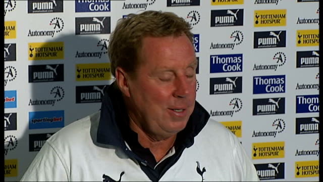 vídeos de stock, filmes e b-roll de tottenham hotspur and west ham united bid for move to olympic park stadium; england: london: int harry redknapp press conference sot - stratford's... - pie humano