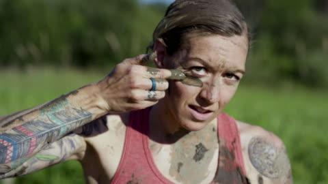 tough mudder - mod bildbanksvideor och videomaterial från bakom kulisserna