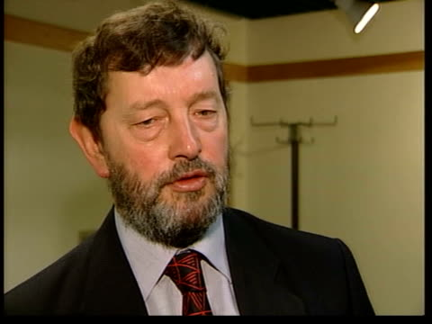 tougher sentencing announced itn broken window of car david blunkett mp interviewed sot judges and magistrates should have the power to take into... - sentencing stock videos & royalty-free footage