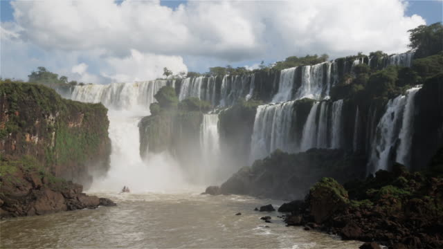 WS A tour boat beneath Iguazu Falls / Cataratas del Iguazu / Puerto Iguazu, Argentina