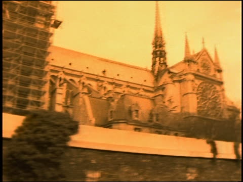 tour boat point of view of notre dame cathedral / paris - notre dame de paris stock videos and b-roll footage