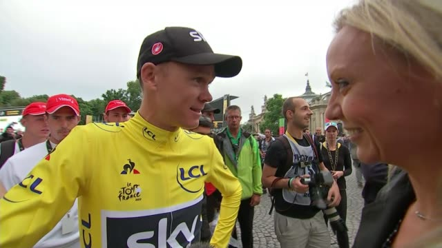 chris froome wins tour for the 4th time paris ext chris froome interview following final stage sot speechless/ very emotional arriving on champs... - itv weekend late news点の映像素材/bロール
