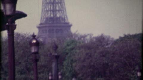 hd: tour eiffel - 8mm film projector stock videos & royalty-free footage