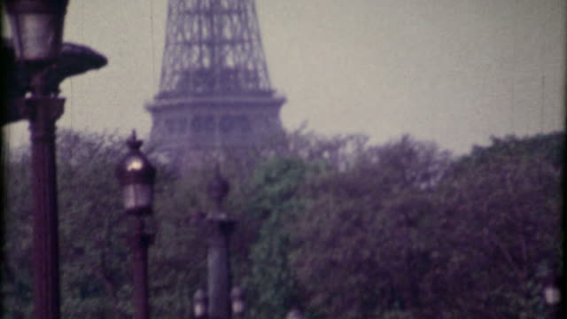 hd: tour eiffel - 8mm film projector stock videos & royalty-free footage