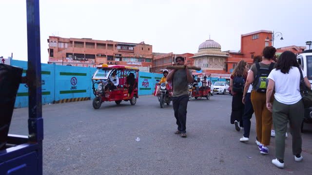 touring the streets of the city of jaipur in rajasthan. india. south asia - produced segment stock videos & royalty-free footage