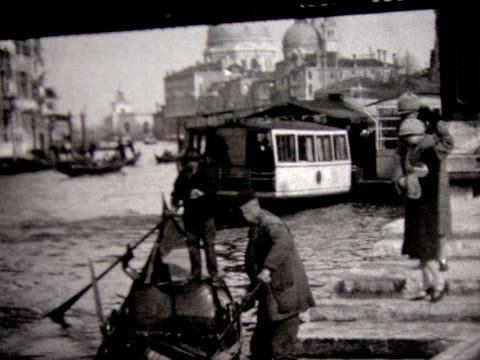 1929 touring venice by gondola - grand canal venice stock videos & royalty-free footage