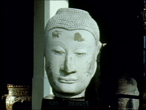 stockvideo's en b-roll-footage met tourism in thailand - carving craft product