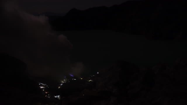4k, tourism travel for looking sulfur fume at kawah ijen, vocalno in indenesia. - mine stock videos & royalty-free footage