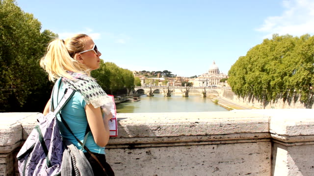 Tourist girl in Rome (HD)
