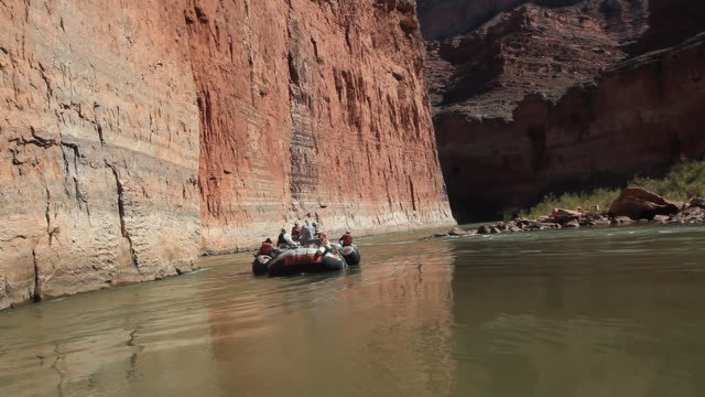 ws pov tourist rafting on river colorado in grand canyon / grand canyon village, arizona, usa - grand canyon stock videos & royalty-free footage