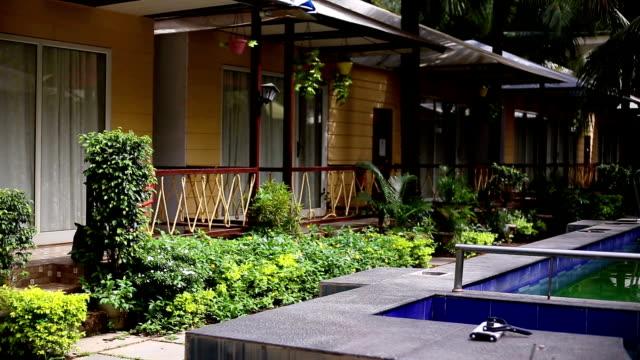 観光リゾート - プールサイド点の映像素材/bロール