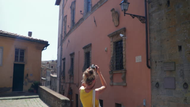 tourist taking pictures in italy - tuscany stock videos & royalty-free footage