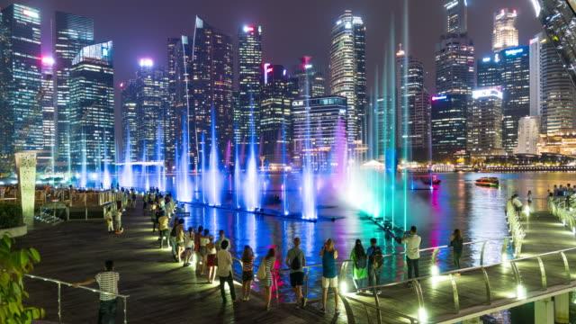 4K TL: touristische Reisen in Singapur Stadt bei Nacht.
