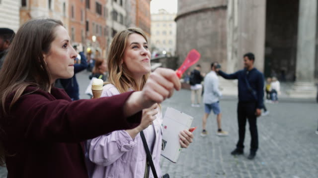tourist women in rome - guide stock videos & royalty-free footage