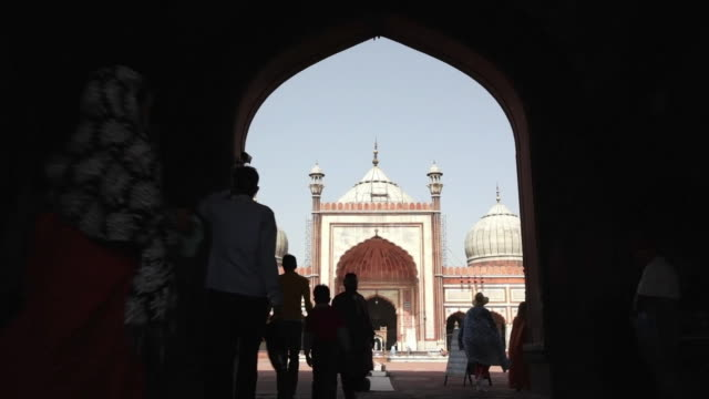 ms tourists and worshippers entering jama masjid, a muslim mosque / delhi, punjab, india - religion stock videos and b-roll footage