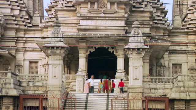 ms tourists at birla mandir / kolkata, west bengal, india - kolkata stock videos & royalty-free footage