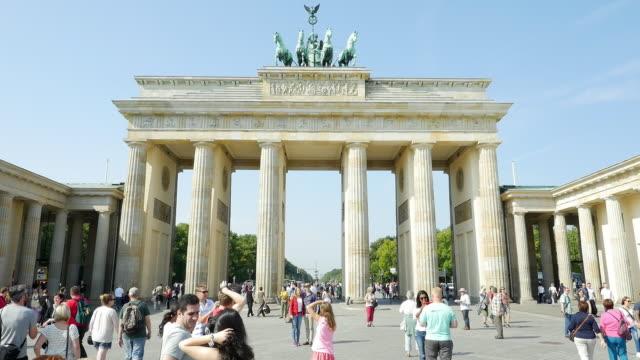 T/L Tourists At Brandenburg Gate in Berlin.