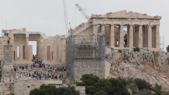 t/l ws tourists at parthenon on acropolis / athens, greece - parthenon athens stock videos & royalty-free footage