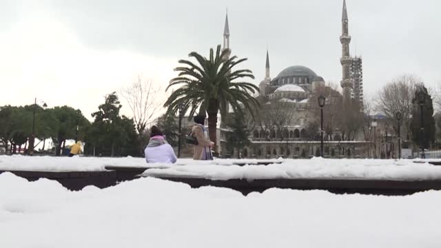 TUR: People in Istanbul enjoy the snow after a cold wave hits Turkey