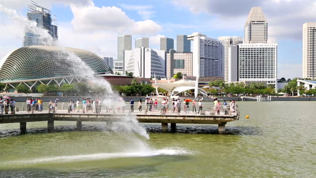 tourists enjoy the scenery - singapore river stock videos & royalty-free footage