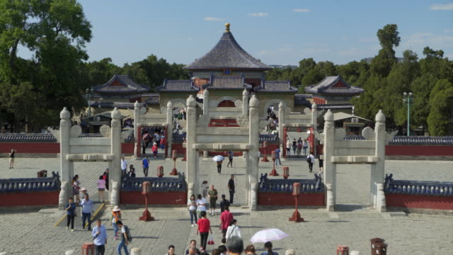 tourists enjoying sunny day at imperial vault of heaven - beijing, china - himmelstempel stock-videos und b-roll-filmmaterial