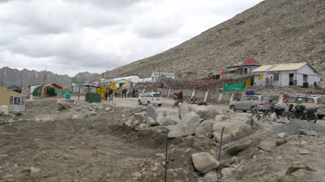 tourists having a rest at the the chang la pass, ladakh, india - mountain road stock videos & royalty-free footage