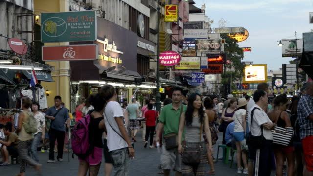 Tourists in busy Khao San Road