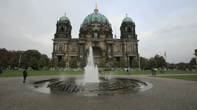 Tourists in front of the Berlin Cathedral (Berliner Dom), Berlin, Germany