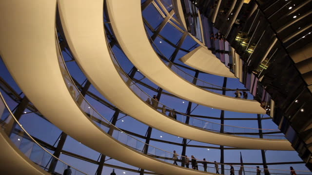 ms la tourists in reichstag dome at dusk, berlin, germany - cupola video stock e b–roll
