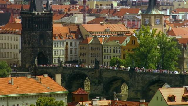 ws ha ls tourists on charles bridge / prague, czech republic - charles bridge stock videos & royalty-free footage